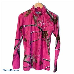 Legendary Whitetails realtree pink camo top SZ L